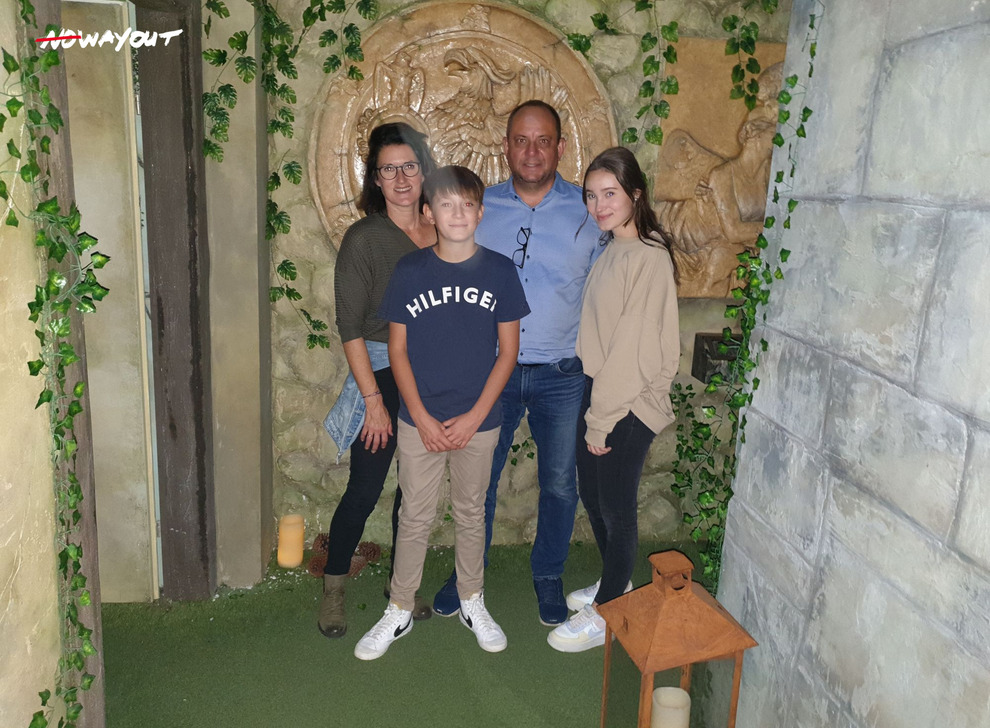 Escape room Mission Belvedere, 10 Oct 11:45 -  Photo Gallery | NoWayOut Escape Rooms Vienna